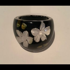 Jewelry - 💜3/30 Black floral ring size 10
